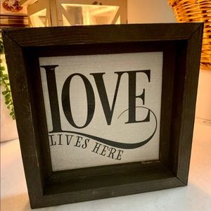 🖤 NWT Farmhouse Sign 🖤
